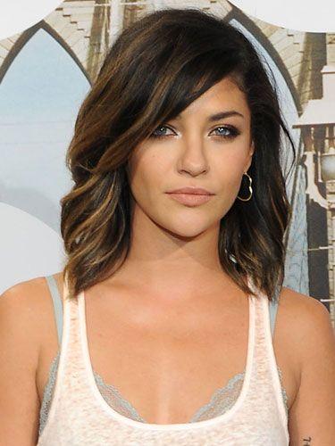 Trendy-Medium-Wavy-Haircut Fantastic Easy Medium Haircuts 2019 – Shoulder Length Hairstyles