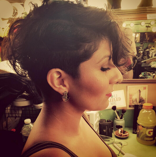 Undercut-Hairstyle-for-Short-Curly-Hair-1 Awesome Undercut Hairstyles for Girls