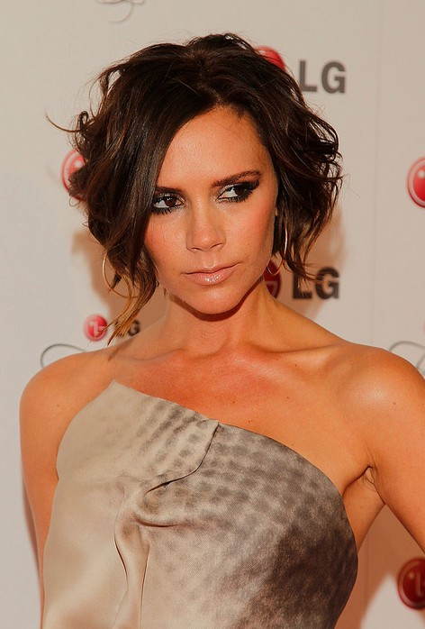 Victoria-Beckham-Short-Curly-Bob-Hairstyle-for-Women Popular Short Hairstyles for Women 2019