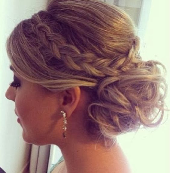 20-glamorous-wedding-updos-for-brides-best-wedding-hairstyles-3 Glamorous Wedding Updos for Brides – Best Wedding Hairstyles