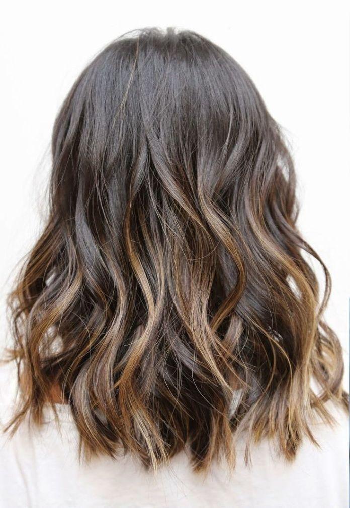 Beachy-Wavy-Hairstyle-for-Shoulder-Length-Hair Wonderful Medium Hairstyles for 2019