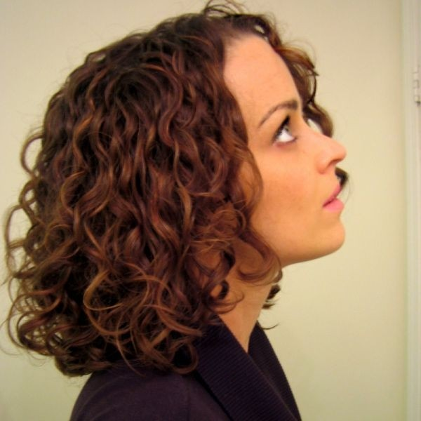 Beautiful-Curly-Bob-Hairstyle-for-Mid-Length-Hair Daily Medium Hairstyles for Women 2019