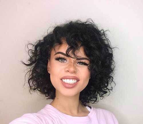 Medium-Short-Curly-Hairstyle Cute Short Curly Hairstyles for Sweet View