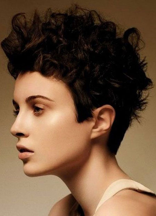 Messy-Curls Very Short Curly Hairstyles for Smart Ladies