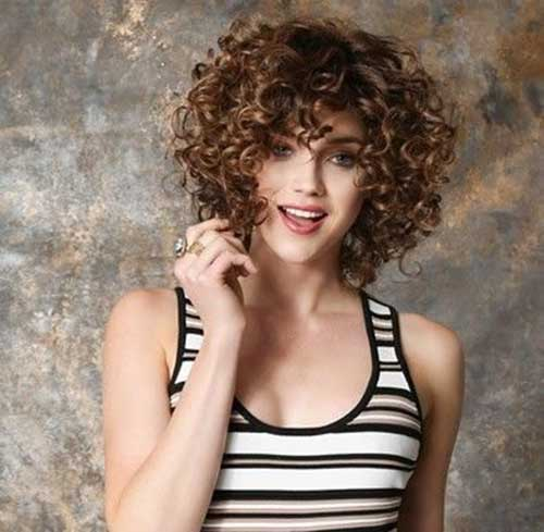 Natural-Hair-Look Cute Short Curly Hairstyles for Sweet View
