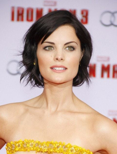 Neck-length-bob Hypnotic Short Hairstyles for Women with Square Faces