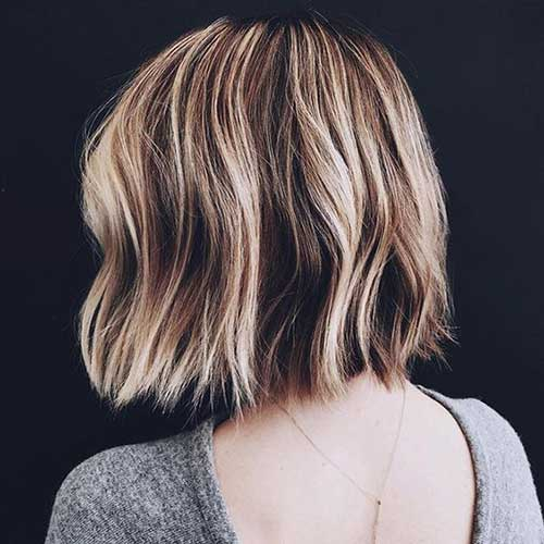 Short-Wavy-Hairstyle-1 Short Wavy Hairstyles for Women with Style