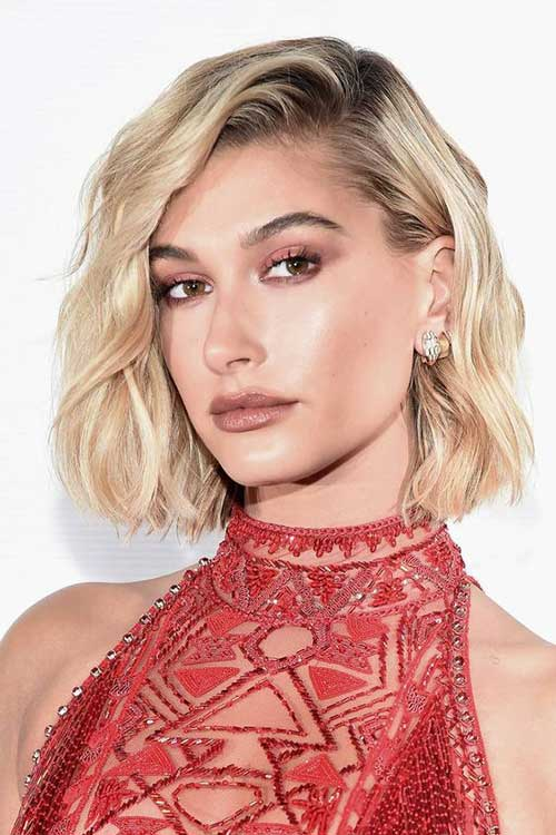 Side-Parted-Bob Hailey Baldwin Short Hair 2019