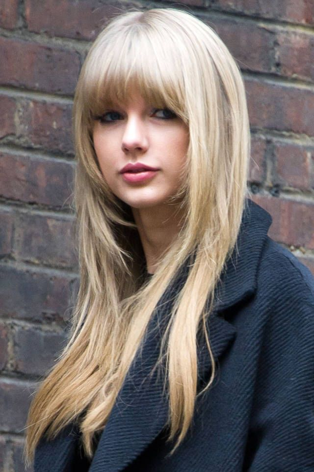 Taylor-Swift-Long-Straight-Hairstyle-With-Blunt-Bangs Alluring Straight Hairstyles for 2019 (Short, Medium & Long Hair)