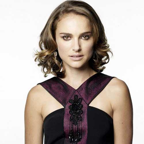 The-Best-Natalie-Portman-Short-Wavy-Hairstyle Female Celebrity Short Haircuts 2015