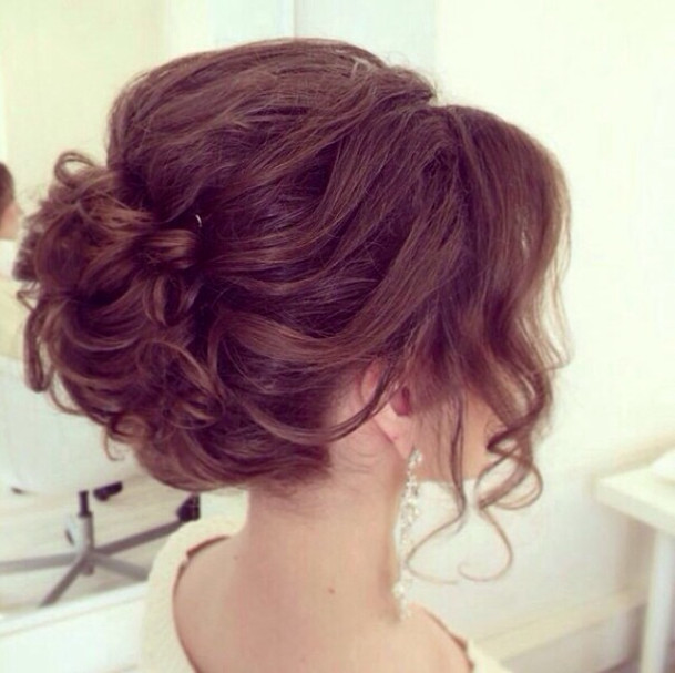Wedding-Hairstyles-17 Romantic Wedding Hairstyles for 2019
