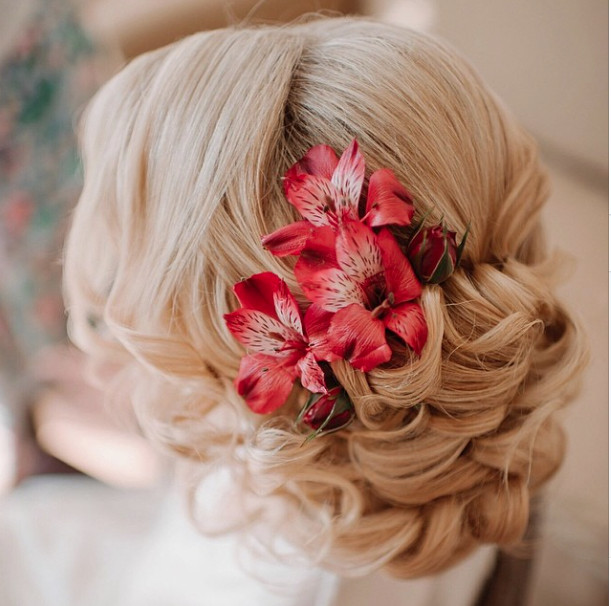 Wedding-Hairstyles-9 Romantic Wedding Hairstyles for 2019