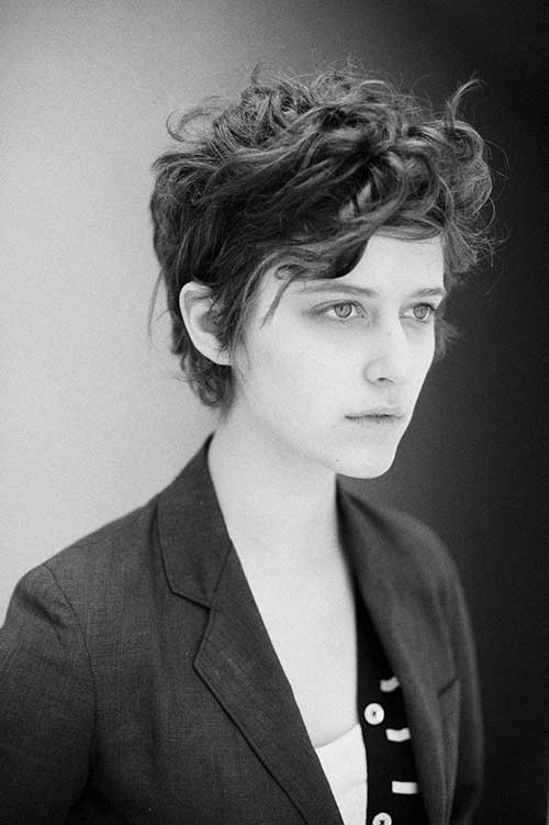 Cute-Short-Pixie-with-Messy-Curls-Style Short Curly Pixie Haircuts