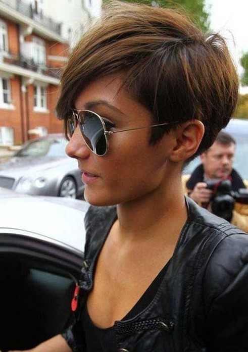Frankie-Sandford-Short-Haircut Chic Short Cuts You Should Not Miss - Short Hair Trends for 2019