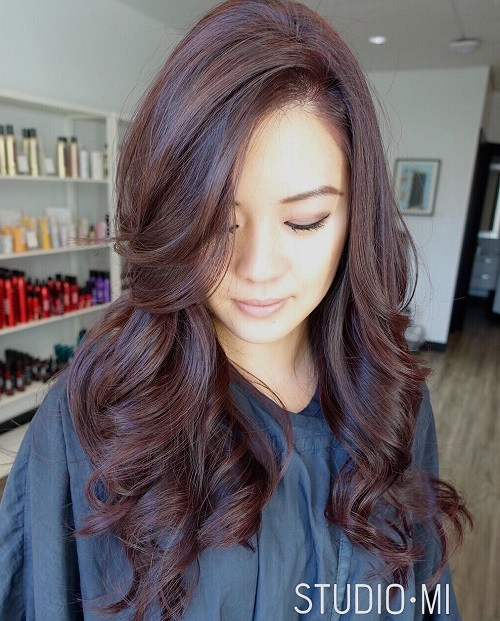 Glamorous-Curls Trendy Mahogany Hair Color Ideas
