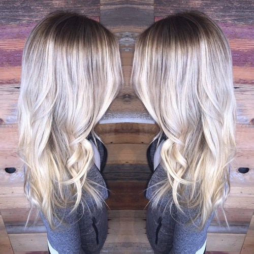 Light-Blonde-with-Subtle-Silver Gorgeous Ways to Rock Blonde and Sliver Hair