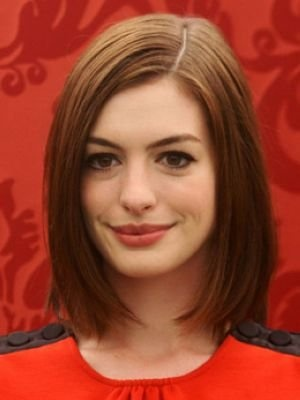 Pretty-Side-parted-Haircut-for-Medium-Hair Fashionable Mid-Length Hairstyles for Fall – Medium Hair Ideas