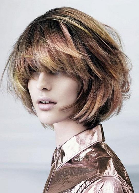 Short-Haircut-–-Stylish-Highlighted-Messy-Bob-Hairstyle Short Bob Haircuts: Hottest Bob Hairstyles 2019