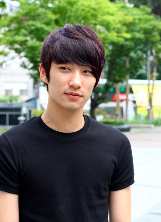 Short-Korean-Hairstyle-for-Men-–-popular-layered-short-haircut-for-guys Cool Korean and Japanese Hairstyles for Asian Guys