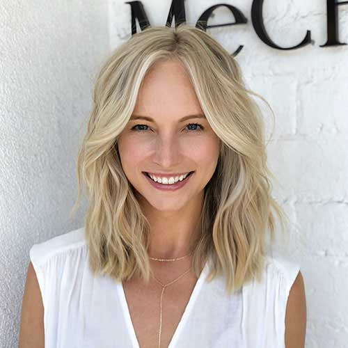 Short-Medium-Hair Popular Short Layered Hairstyle Ideas