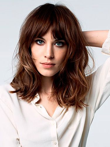 Shoulder-Length-Wavy-Bob-Hairstyle-with-Bangs Trendiest Bob Haircuts for Women