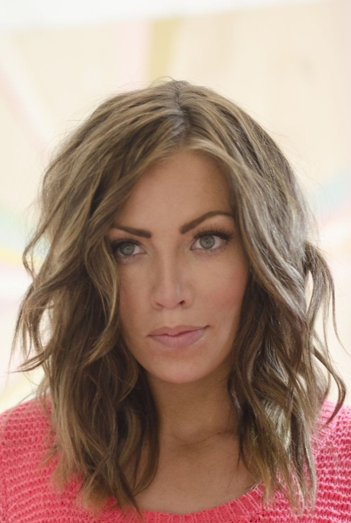 Shoulder-Length-Wavy-Hairstyle Great Hairstyles for Medium Length Hair 2019
