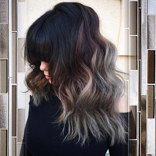 Thick-Beach-Hair-with-Bangs Gorgeous Ways to Rock Blonde and Sliver Hair
