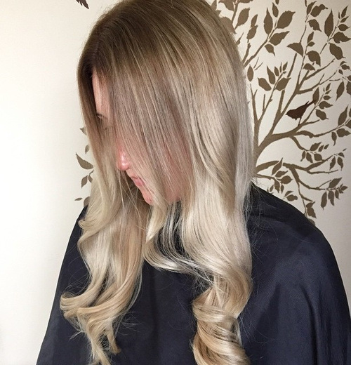 Vintage-Waves Gorgeous Ways to Rock Blonde and Sliver Hair