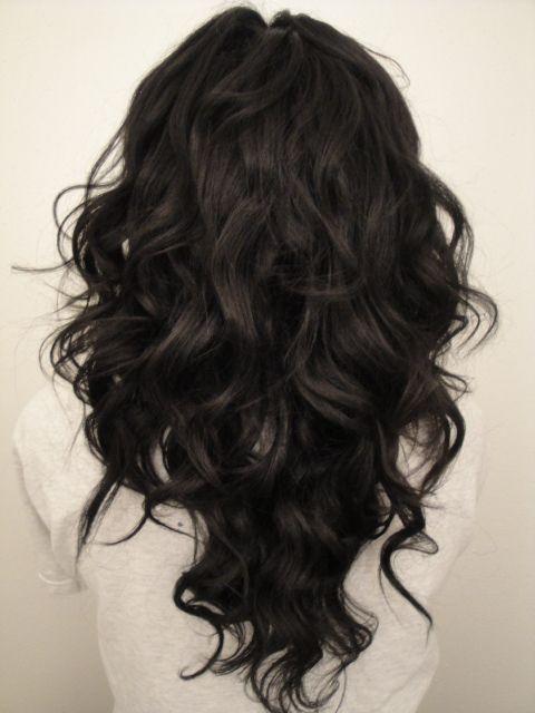 "ong-hair-cut-in-a-""V""-shape-–-Beautiful-Hair Stunning Hairstyles for Black Hair 2019"