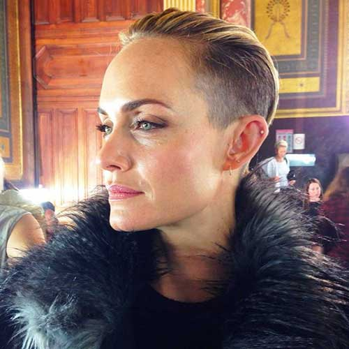 Amber-Valletta's-Very-Short-Hairstyle-with-Shaved-Side Short Hairstyles 2019 Trends