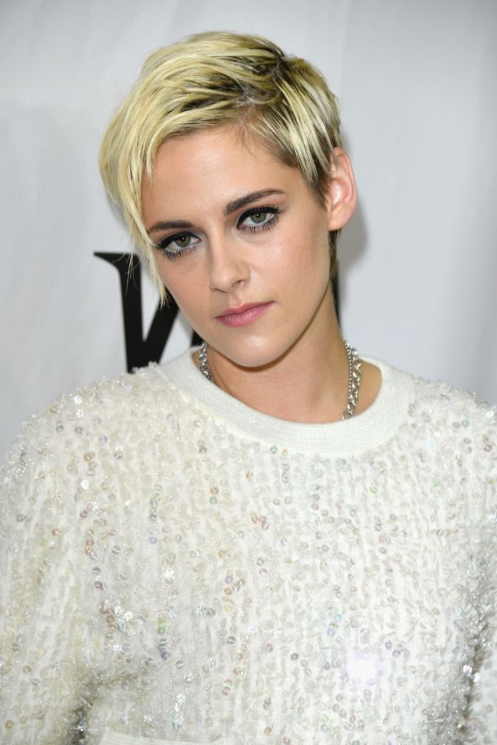 Asymmetrical-and-Blonde Best Short Pixie Cut Hairstyles - Cute Pixie Haircuts for Women