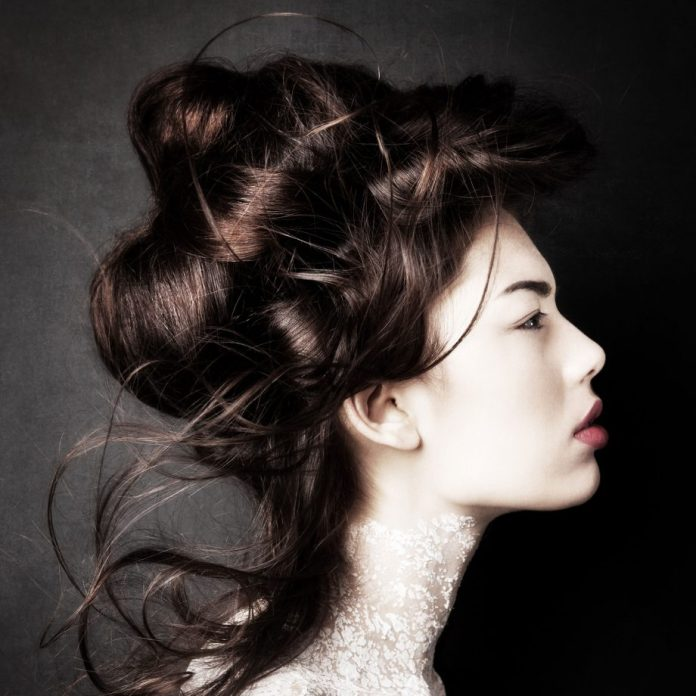 Crown-with-Bun Loose Hairstyles to Look Relaxed and Ravishing
