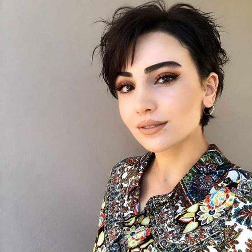Cute-Short-Haircut Short Pixie Cuts for Round Faces