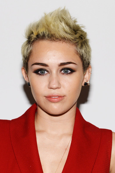 Miley-Cyrus-2019-Short-Hairstyles-Fauxhawk Popular Hairstyles – Short Pixie, Bob and Long Layered Hairstyles