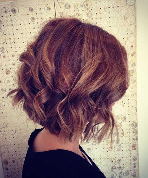 Short-Thick-Hairstyle-with-Curly-Ends Best Short Thick Curly Hairstyles