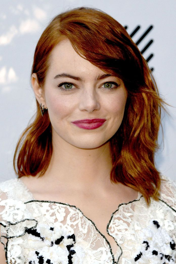 Side-Parted-Simple-Bob Simple Medium Hairstyles for Stunning Look