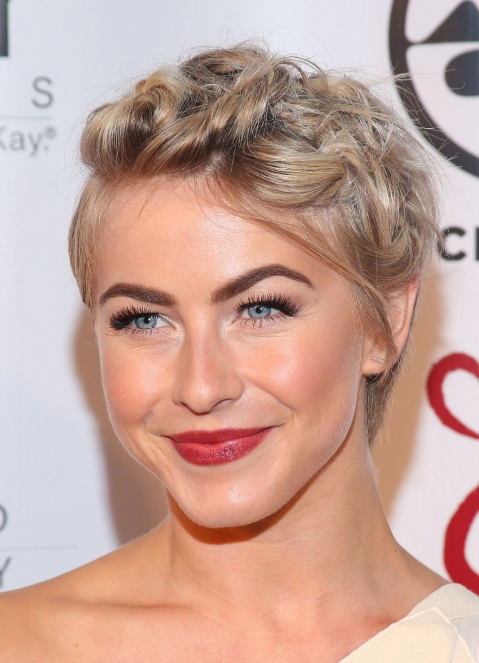 The-Greco-Braid-Hairstyle Ravishing and Roaring Julianne Hough Hairstyles