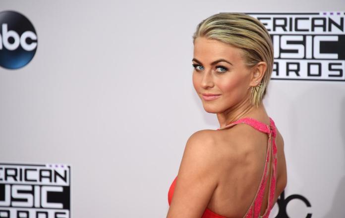 The-Sheer-Back-Brush Ravishing and Roaring Julianne Hough Hairstyles