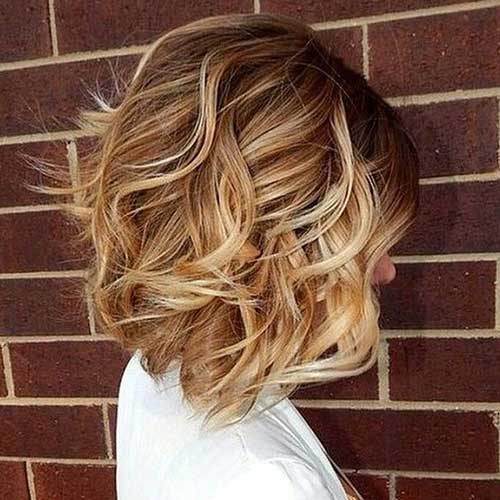Trendy-Short-Wavy-Bob-Hairstyle Short Hairstyles 2019 Trends