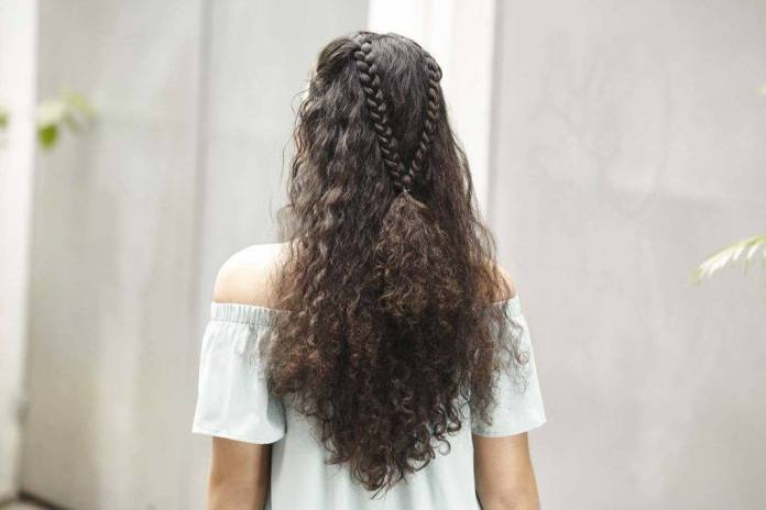V-Shaped-Braid-in-Curly-Hairstyle Worth Trying Curly Hairstyles with Braids
