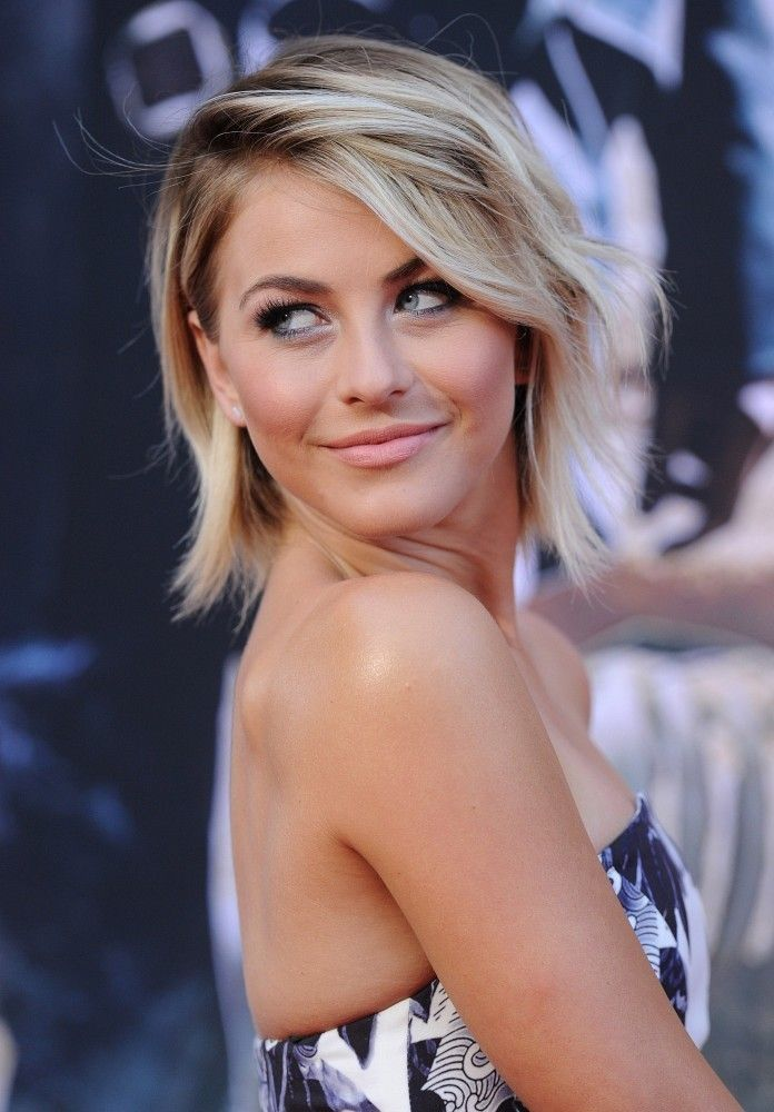 Wavy-Casual-Mid-Length-Hairstyle Ravishing and Roaring Julianne Hough Hairstyles