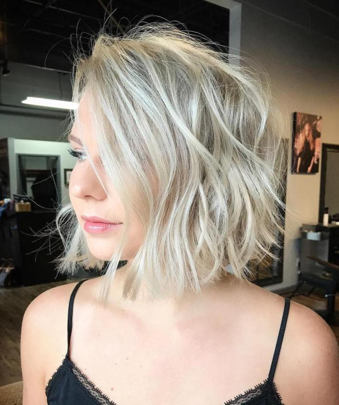 Wavy-Short-Hairstyle-for-Chubby-Face Glorious Short Hairstyles for Chubby Faces
