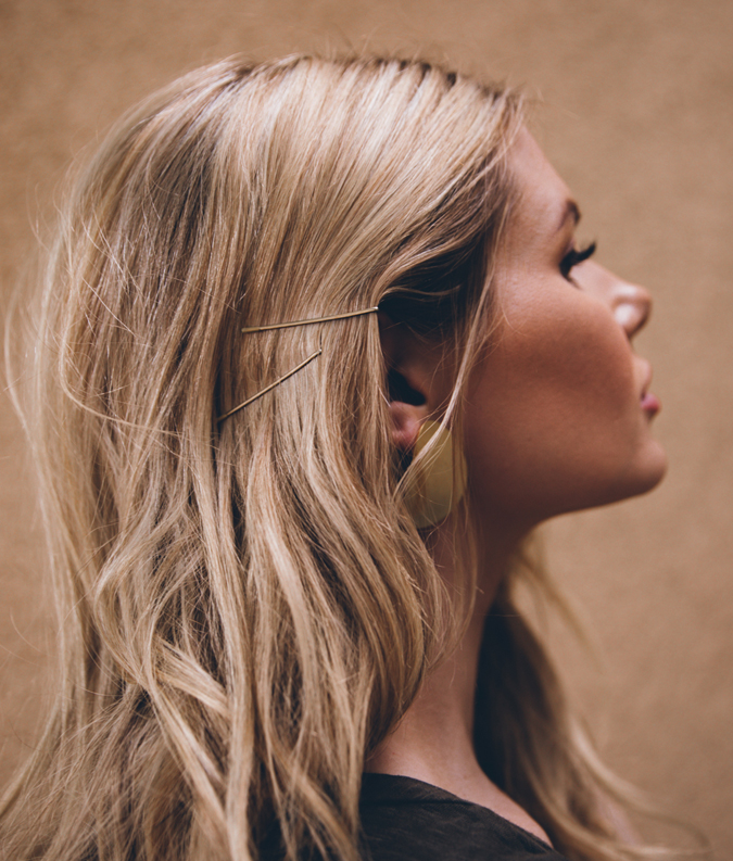 Bobby-Pin-Hairstyle Spring Hairstyles to Outshine Your Beauty