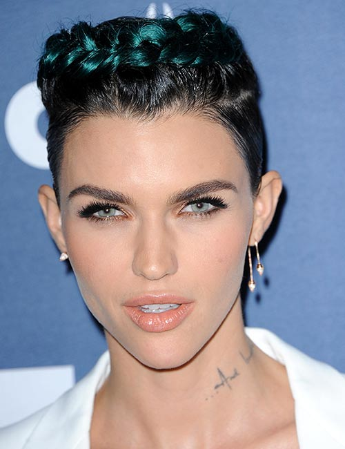 Braided-Blue-Highlights Celebs With Stunning Short Hairstyles