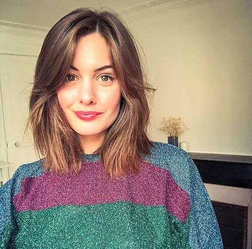 Lob-Cut Best Short Haircuts for Over 40