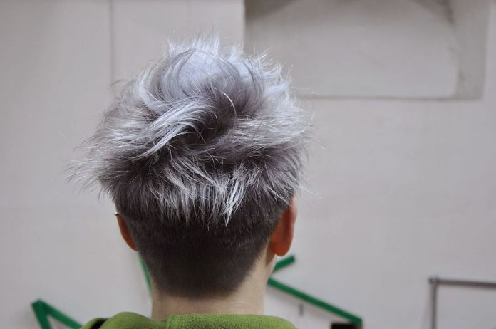 Messy-Bowl-Cut Grey Hairstyles for Men to Look Smart and Dashing