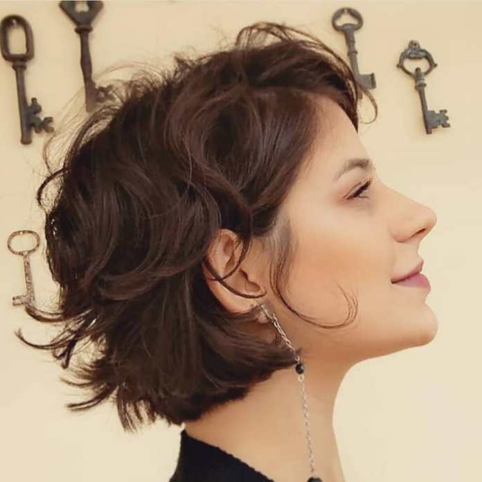 Messy-but-Not-Shabby-Short-Hairstyle Style Personified Short Hairstyles for Young Women