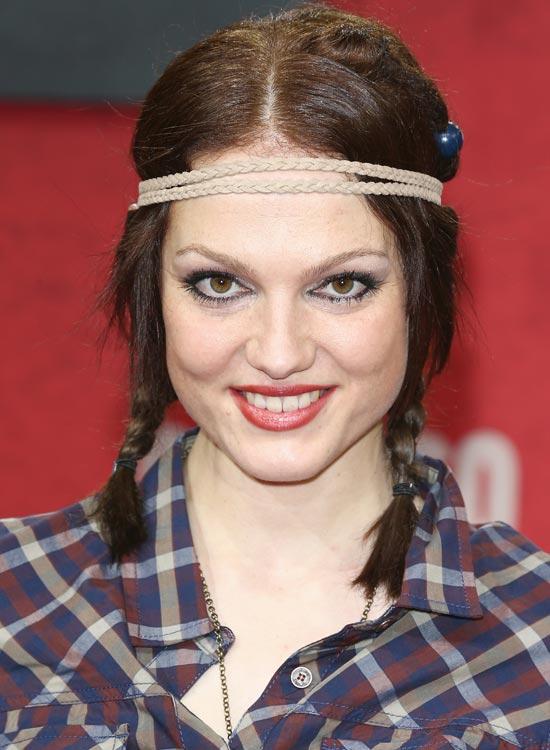 Rope-Braid-Headband Best Hippie Hairstyles