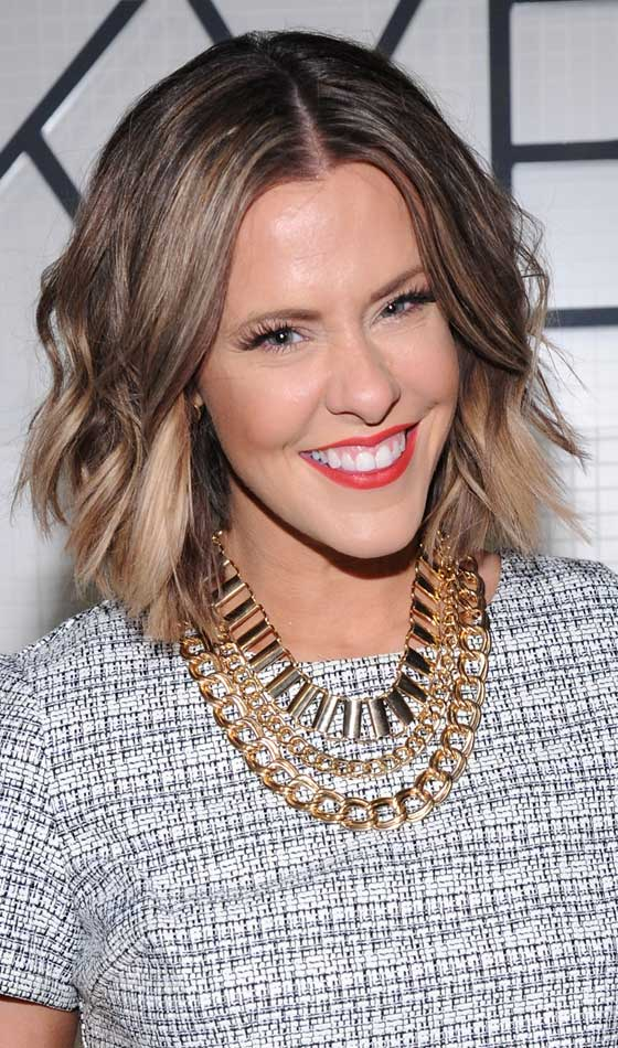 Shaggy-Bob-In-Medium-Blonde-Highlights Trendy Highlighted Bob Hairstyles You Can Try Today
