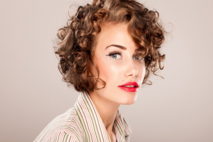Short-Hairstyle-with-Curls Style Personified Short Hairstyles for Young Women